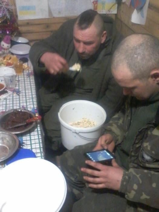 Photos of Ukrainian Soldiers March 2015 near Volnovakha