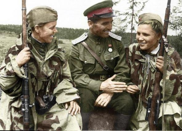 87 More Colorized WW2 Photos