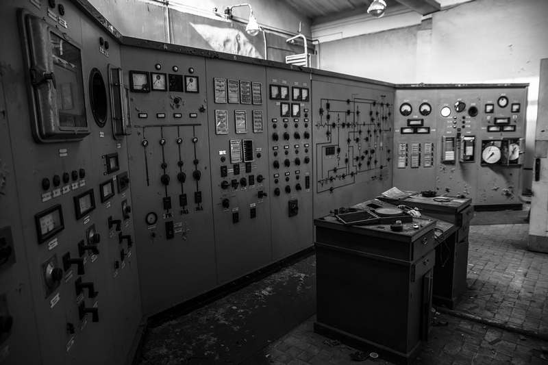 Test Lab for the Electromagnetic Military Devices