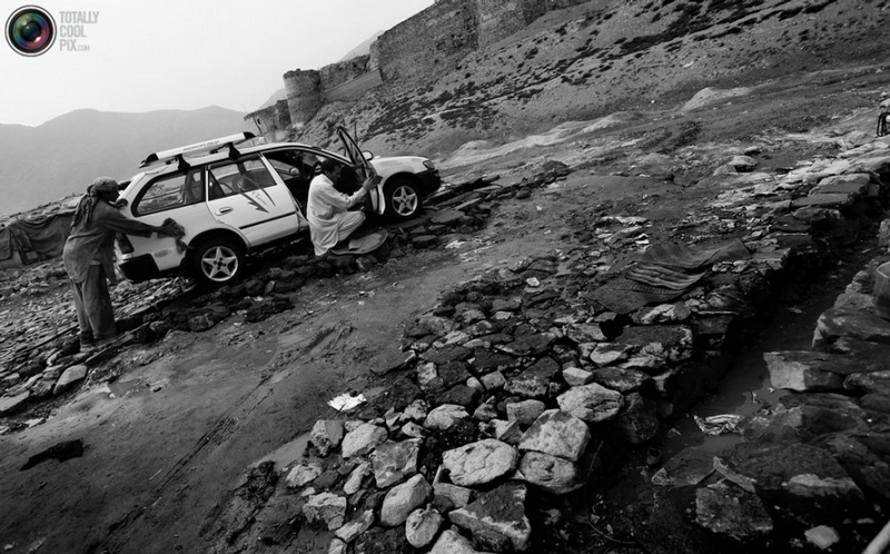 Everyday Life of An Afghanistan Car Wash