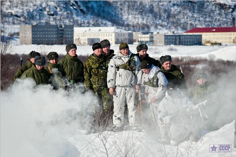 Ejercito ruso entrenando(brigada polar)[buenas imagenes]
