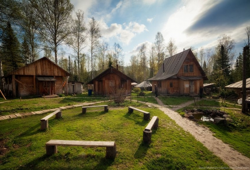 Hermits Village In Sibir Mountains Of Russia English Russia