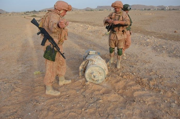 Sappers work in Palmyra