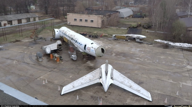 How a Tu-104 was moved across Moscow