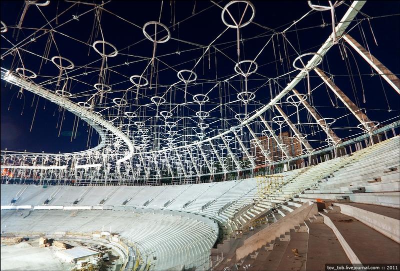 Mounting Olympic Umbrellas