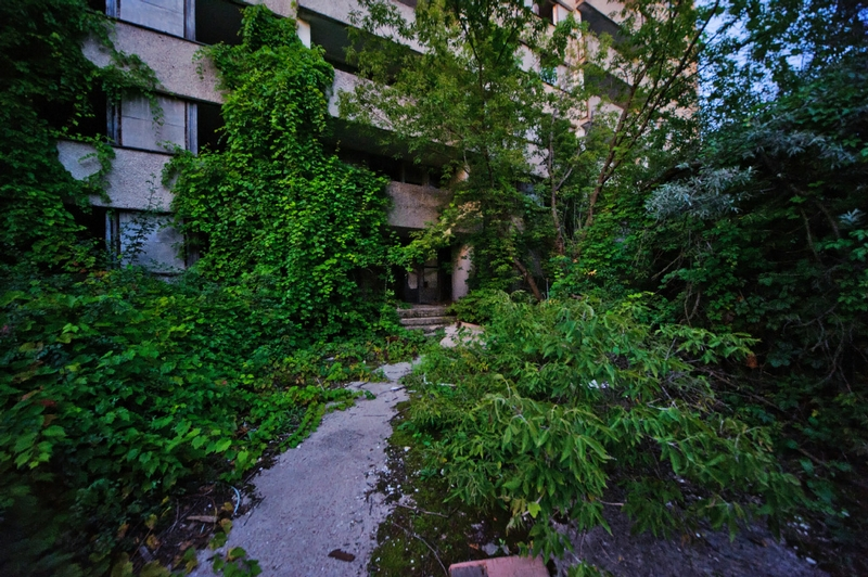 A Thrilling Walking Tour to Pripyat