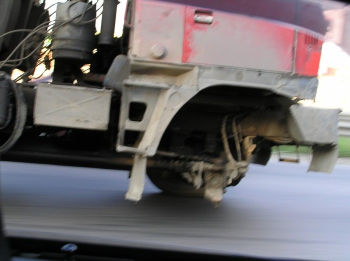 truck without a wheel 1