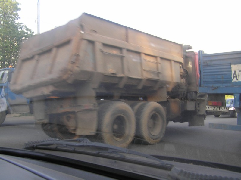 truck without a wheel 2