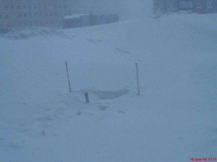A lot of snow in Norilsk, Russia 1