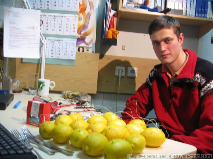 Russians charging ipod with lemons 3