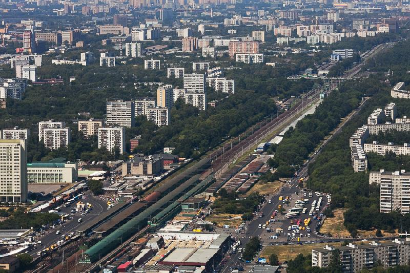 Flying Over the Moscow Beltway