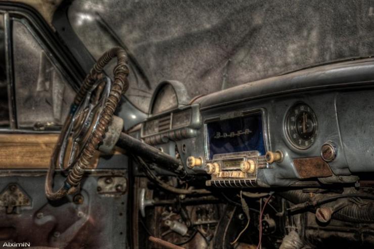 HDR photos of Volga car 1