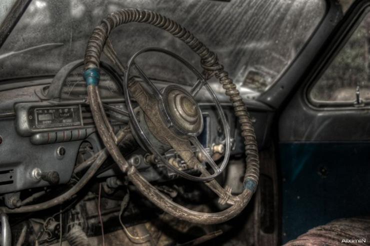 HDR photos of Volga car 4