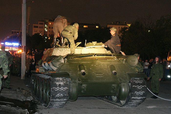 Overturned Tank At The Kremlin Walls 9