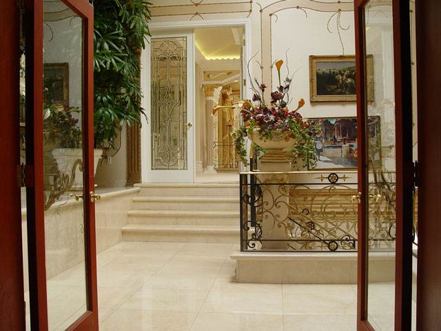 The private house of the former Secretary of Health Care of Azerbaijan 14