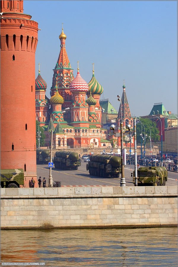 the Russian army parade in Moscow 5