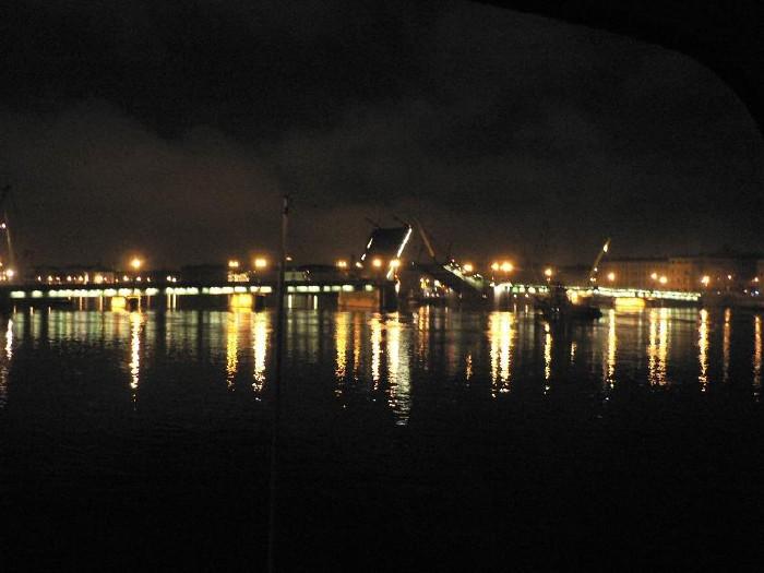 St. Petersburg bridges at night 2