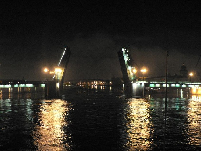 St. Petersburg bridges at night 3