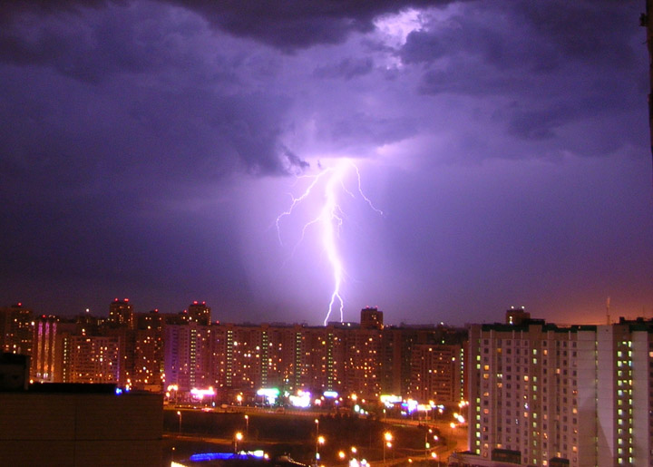 lightnings in Moscow caught on camera 1