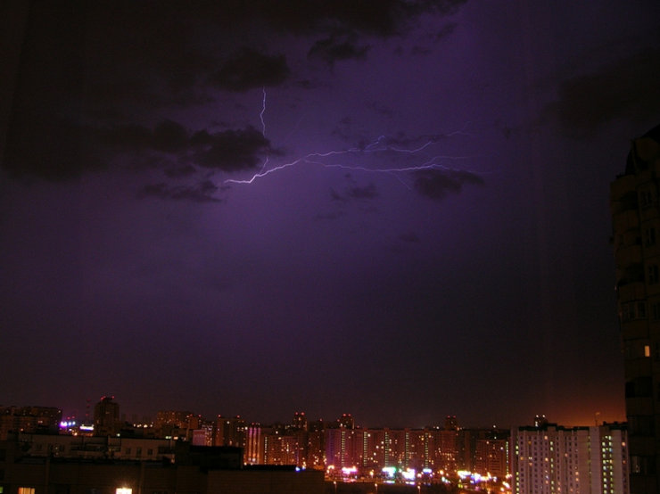 lightnings in Moscow caught on camera 2