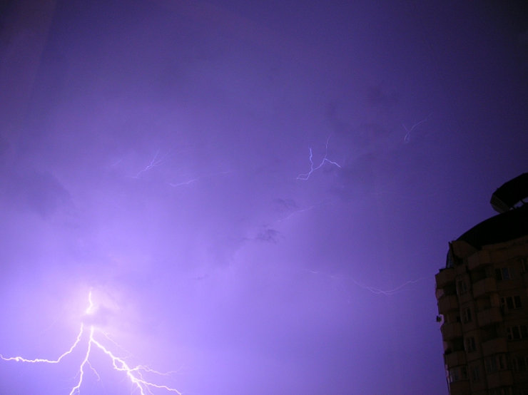 lightnings in Moscow caught on camera 6