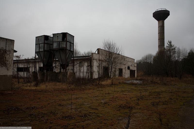 Russian abandoned pig city 13