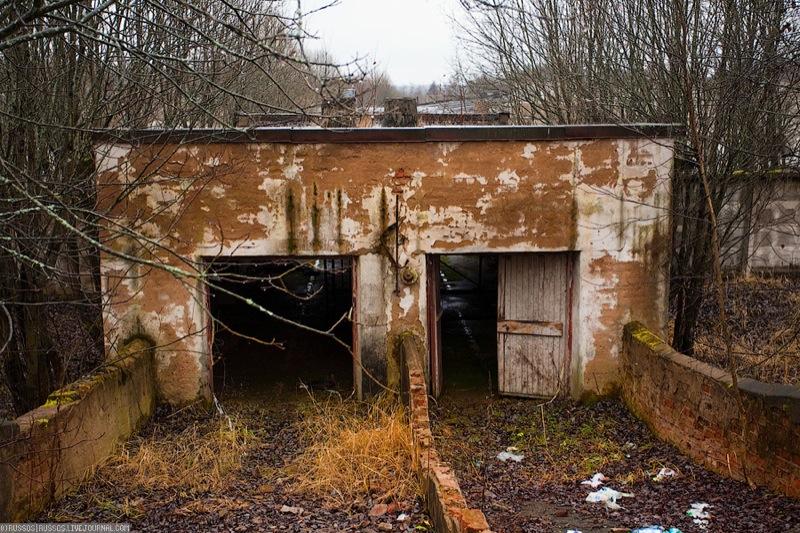 Russian abandoned pig city 18