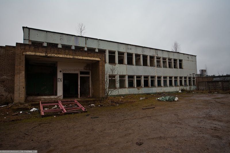 Russian abandoned pig city 20