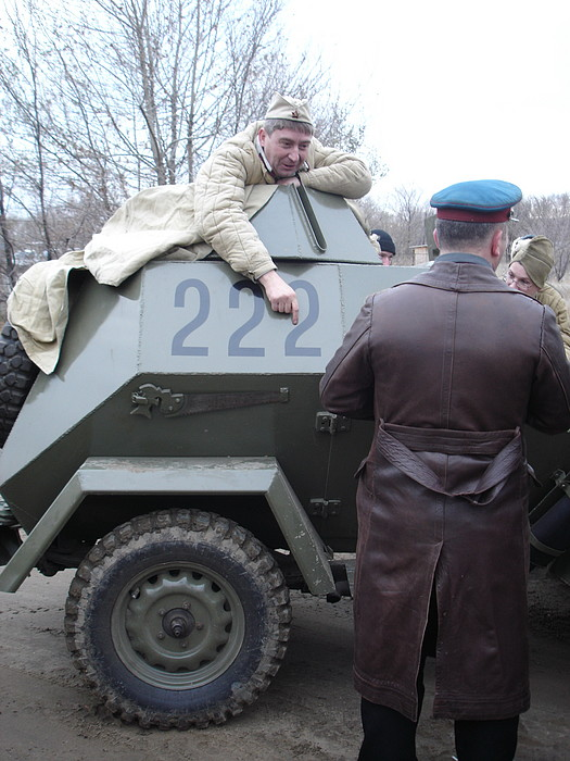 People playing World War 2 in Russia 29