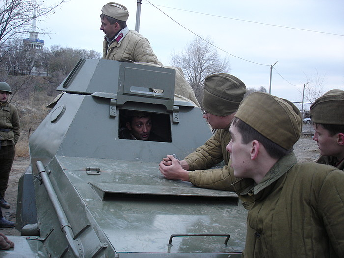 People playing World War 2 in Russia 31