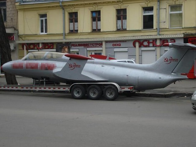 Russian plane, used for propaganda in Ukraine