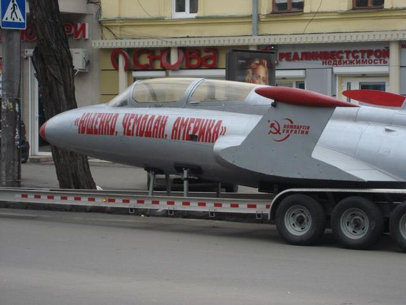 Russian plane, used for propaganda in Ukraine 3