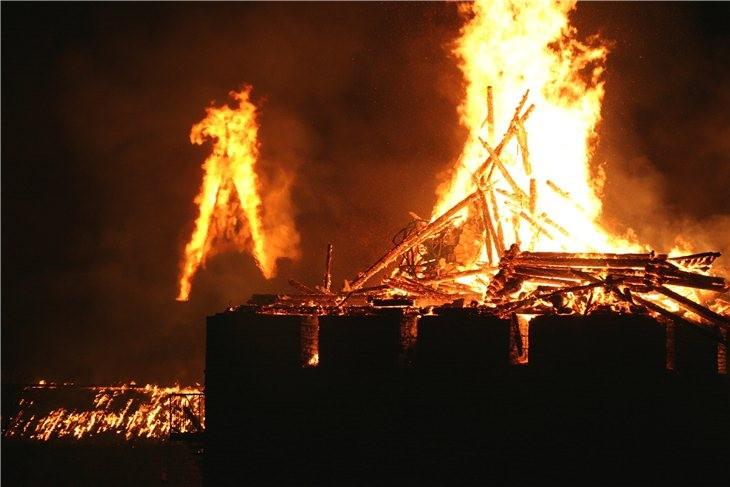 Pskov Citadel In Fire 11