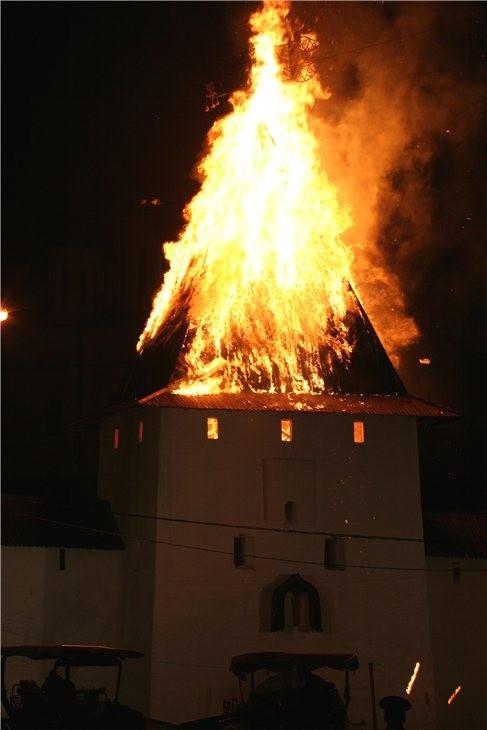 Pskov Citadel In Fire 15