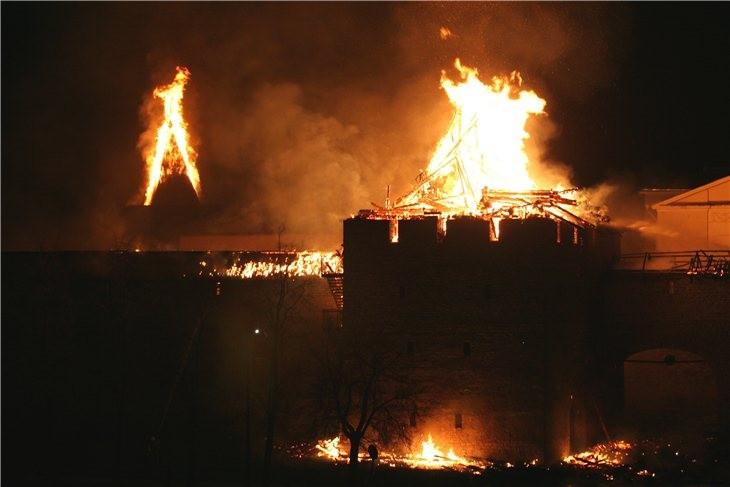 Pskov Citadel In Fire 4