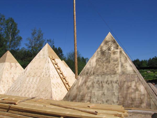 Russian Pyramids 17