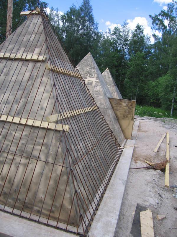 Russian Pyramids 18