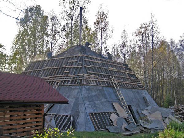 Russian Pyramids 28