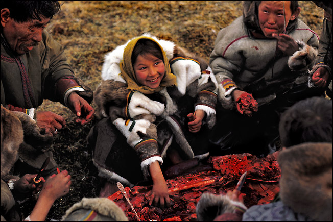 Russian people eating raw meat 4