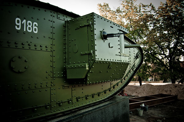 Hundred year old Mark V tanks refurbished 33