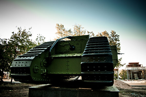 Hundred year old Mark V tanks refurbished 34