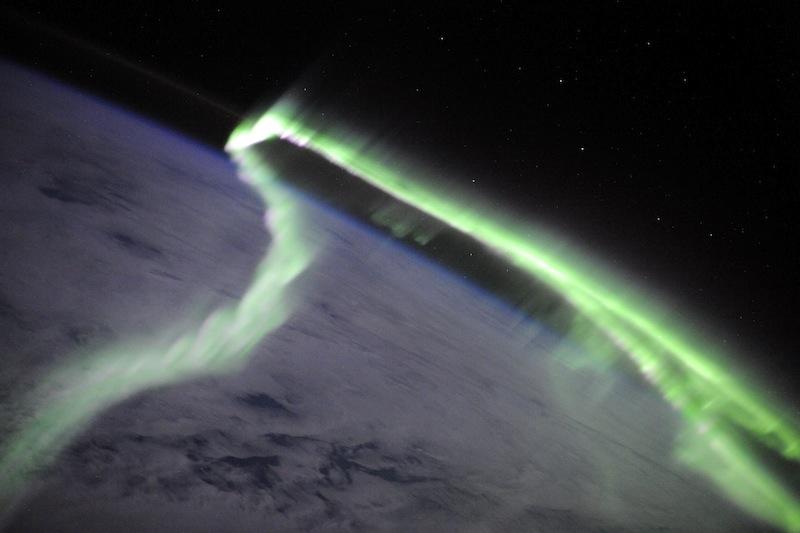 russian astronaut shooting earth 13