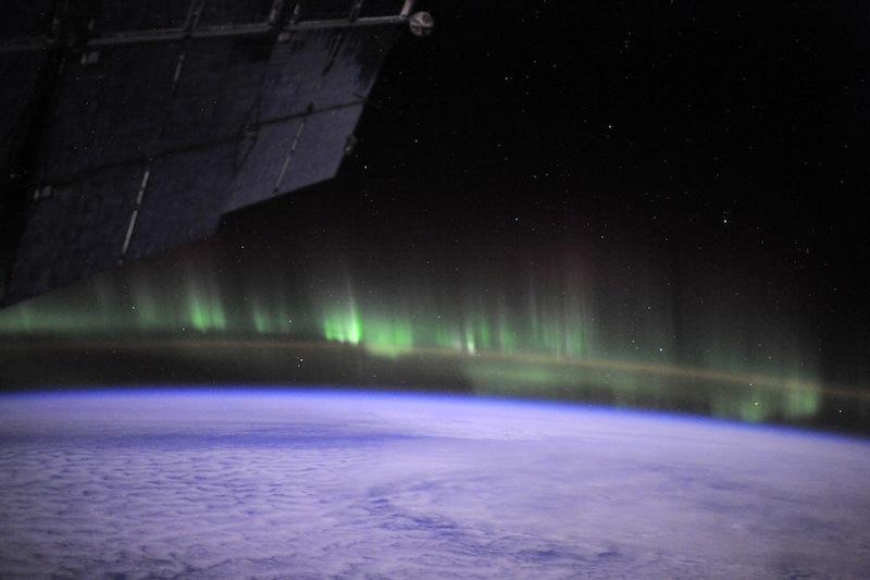 russian astronaut shooting earth 18