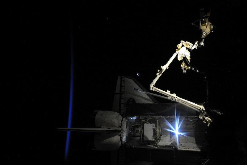 russian astronaut shooting earth 37