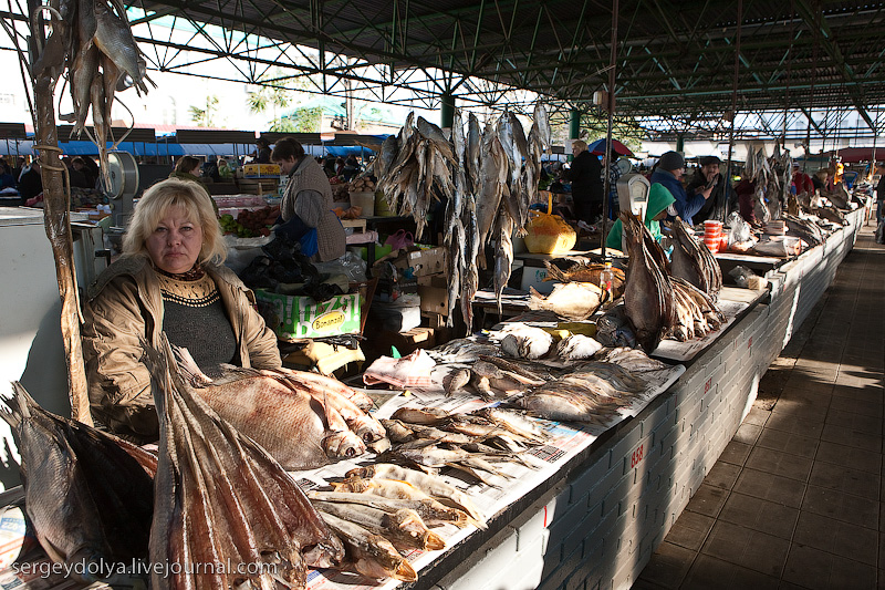 Russian city Rostov, fish market there 12