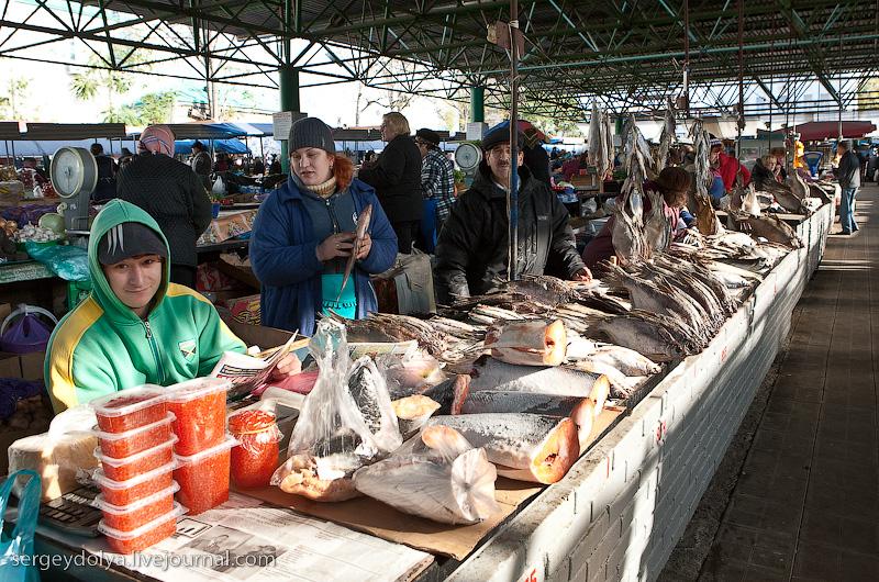 Russian city Rostov, fish market there 13