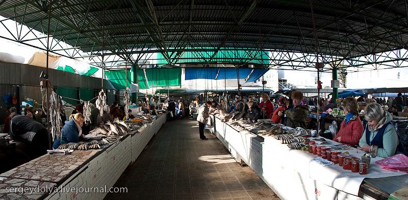 Russian city Rostov, fish market there 3