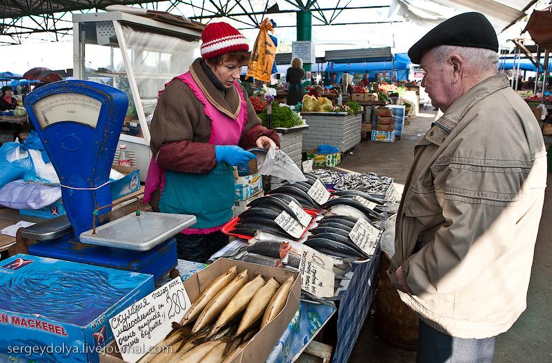 Russian city Rostov, fish market there 9
