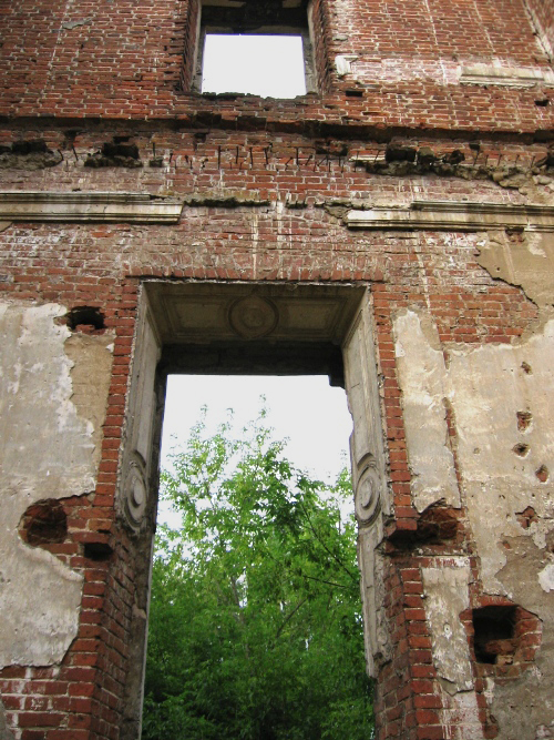 Ruined Country Estate near Moscow 11