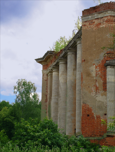 Ruined Country Estate near Moscow 7